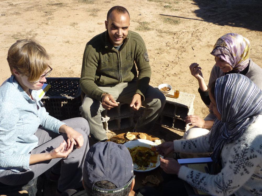photo-additionel---Déjeuner-avec-les-collègues-chez-un--producteur-de-safran